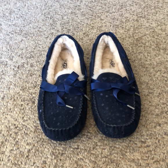 bd232fb5520 Ugg Navy Blue Flora Ansley slipper shoes size 9